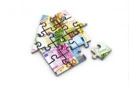 Baufinanzierung Häusschen aus Puzzlteilen