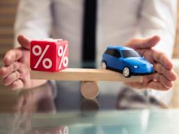 Autoversicherung Betzdorf erklärung des SFR mit einer Wippe und Spielzeug Auto